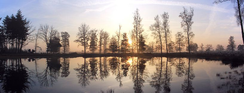 Sunrise Reflection van Hielke Roelevink