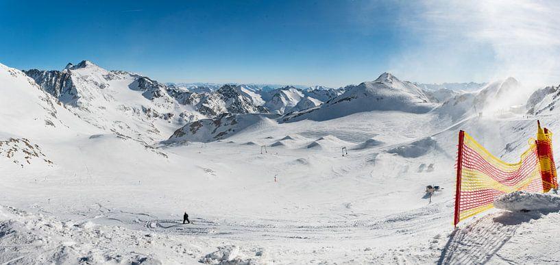 panorama sneeuwlandschap - tirol van Erik van 't Hof