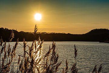 Sonnenuntergang bei Maasmechelen von Okko Huising - okkofoto