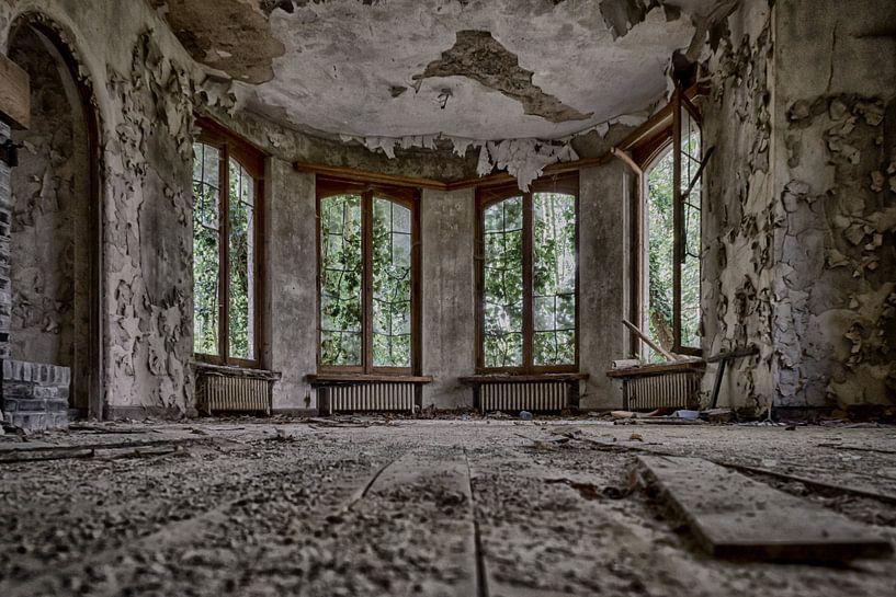 Schaufensterdekoration (urbex) von Jaco Verheul