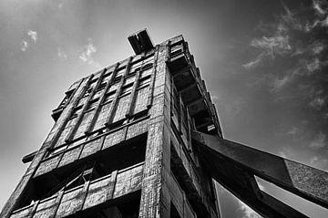 Verlaten mijntoren 1 von Henk van Brecht