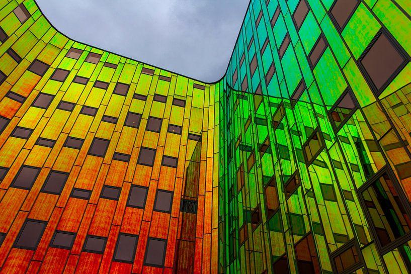 Kleurrijke weerspiegeling 2 van Ina Muntinga