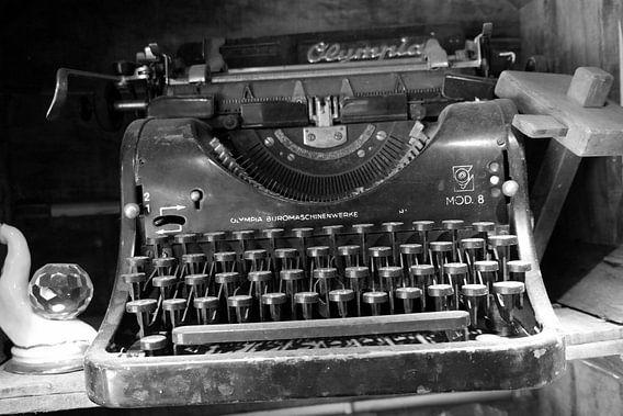 Schrijfmachine, typewriter van R. de Jong