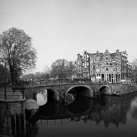 Hoek van de Prinsengracht en de Brouwersgracht in Amsterdam van Pascal Lemlijn