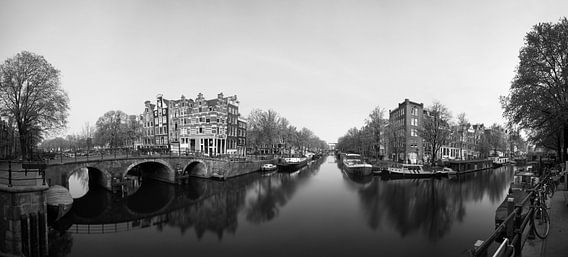 Hoek van de Prinsengracht en de Brouwersgracht in Amsterdam