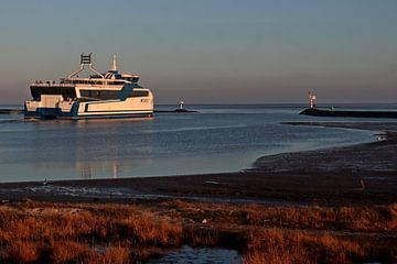 Le port de Terschelling, MS Willem Barentsz sur Mooi op Terschelling