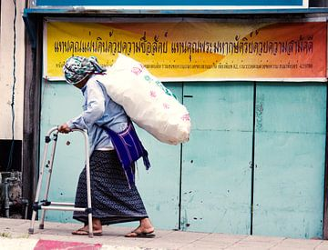 Woman in Thailand sur Kim Verhoef