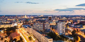 Skyline von Berlin bei Nacht von Werner Dieterich