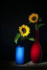 Zomers ,zonnig stilleven met zonnebloemen