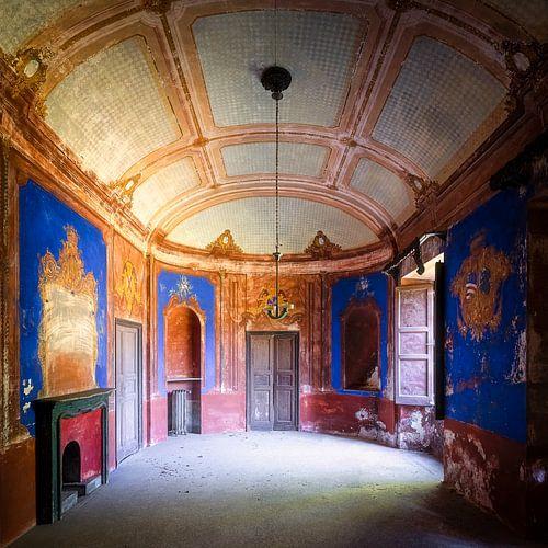 Villa abandonnée avec chambre bleue. sur Roman Robroek