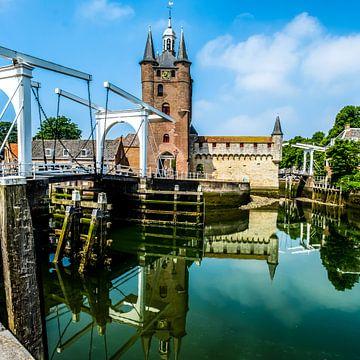 Historische brug in Zierikzee van Ineke Huizing