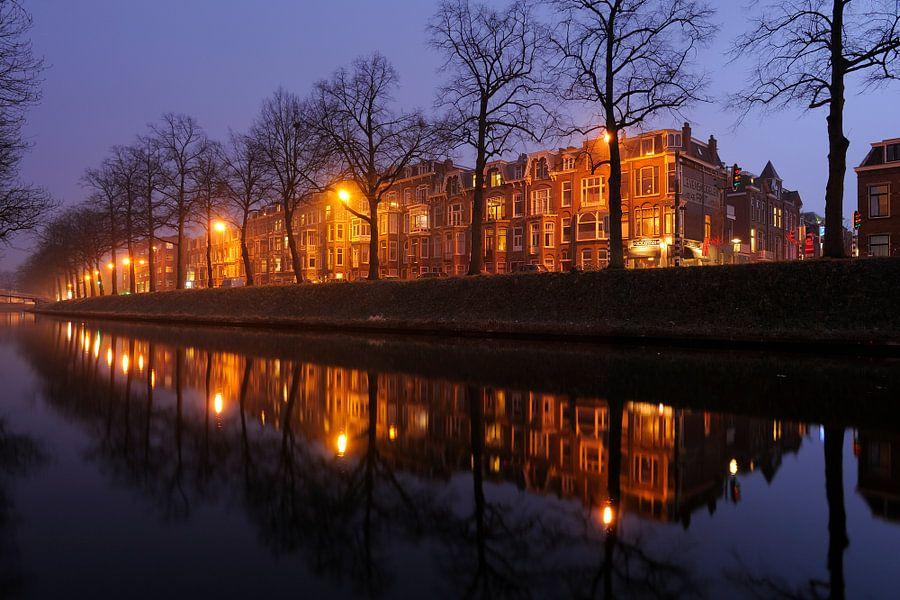 Catharijnesingel in Utrecht tussen de Martinusbrug en de Schroeder van der Kolkstraat (zonder bus) van Donker Utrecht