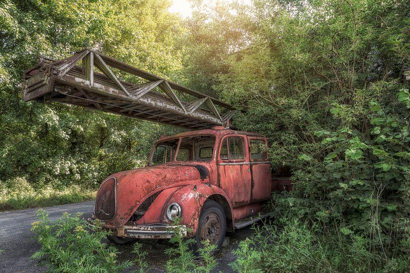 Verlaten plaats Brandweer Brandweerwagen van Carina Buchspies