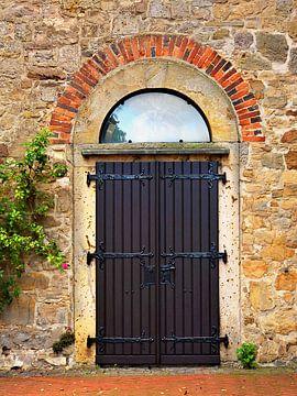 Der Himmel durch (Tür einer Kirche) von Caroline Lichthart