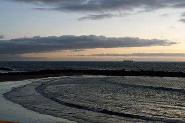 Boot op zee van Astrid Tomeij