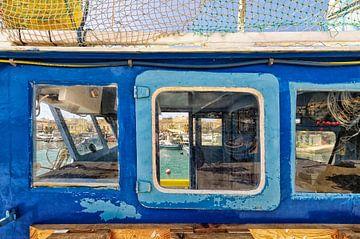 Vissersboot op het eiland Malta. van Tilly Meijer