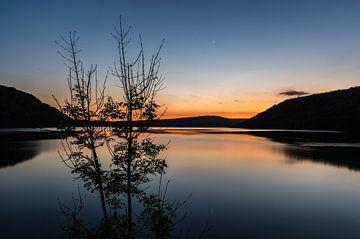 Spiegel Glatter Lac de Chalain von Gijs Rijsdijk