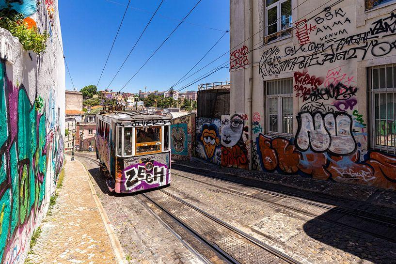 Ascensor da Glória (Lissabon) van Koen Henderickx