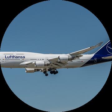 Boeing 747-400 van Lufthansa in haar nieuwe jasje, hier in de landing gefotografeerd bij de luchthav van Jaap van den Berg