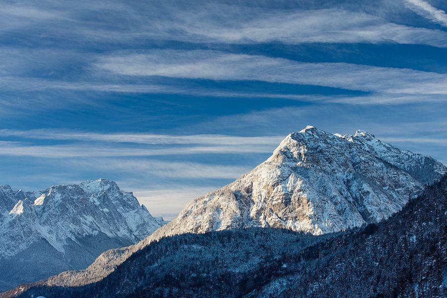 Wolkenstimmung über Kramer und Zugspitze