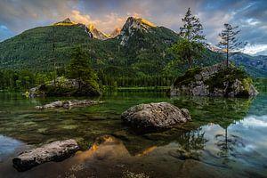 Zonsondergang, Hintersee Duitsland van Bob Slagter