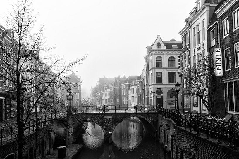 Maartensbrug in Utrecht gezien vanaf de Vismarkt en Kalisbrug van De Utrechtse Grachten