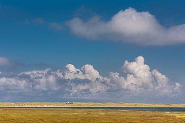 Wijde hemel boven de Listland op Sylt van Christian Müringer