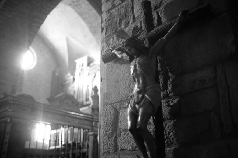 Jezusbeeld in kerk in Spanje van Rob van Dam