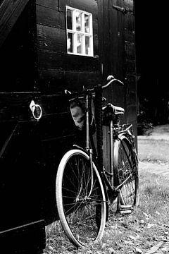 Anlehnendes Fahrrad von Lynlabiephotography