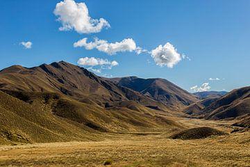 Golden Hills van Cho Tang
