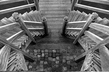 Symmetrie in der Treppe von Marianne Kemmeren