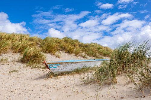 Boot in den Dünen