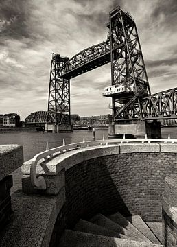 Maasbrug Nostalgie Rotterdam van Fons Bitter