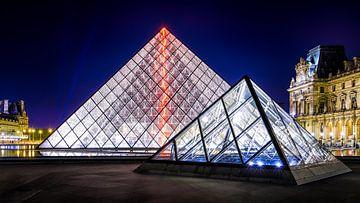 Pyramides du Louvre sur Johan Vanbockryck
