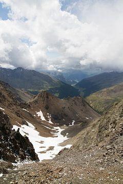 Oostenrijks berglandschap met wat sneeuw van Maike Meuter