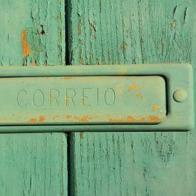 Groene deur met brievenbus, Alentejo Portugal van My Footprints