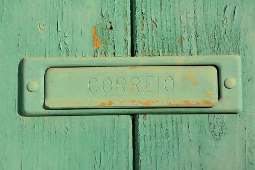 Groene deur met brievenbus, Alentejo Portugal