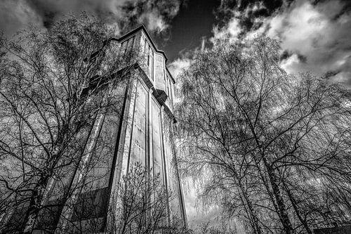 Watertoren in zwart wit  van