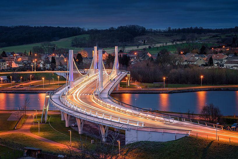 The Bridge van Michiel Buijse