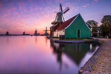 Les Zaanse Schans au lever du soleil sur Ellen van den Doel