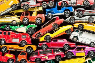 Speelgoedautootjes voor een jongenskamer