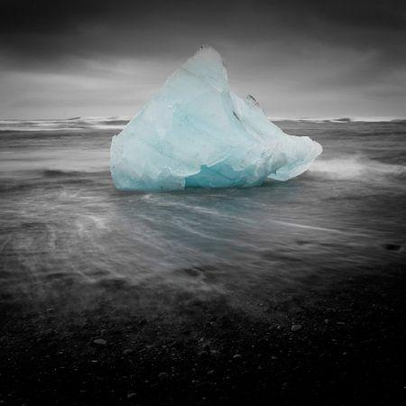 Iceblock Cemetery - Iceland von Arnold van Wijk