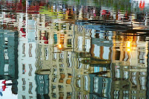 les reflets d'honfleur van Marja Broersma