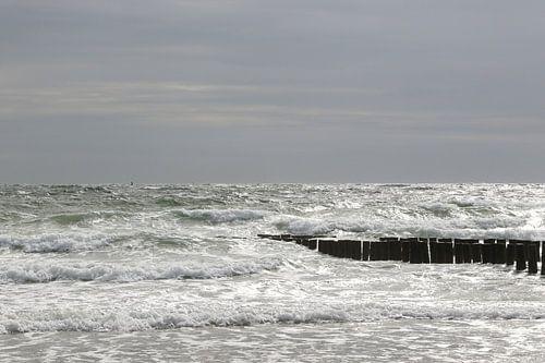 golfbrekers met zee in zeeland