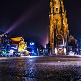 Nieuwe Kerk in Delft in de nachtelijke spotlight van Ricardo Bouman   Fotografie