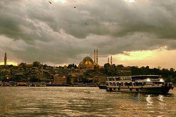 Istanbul in de avond van Caught By Light