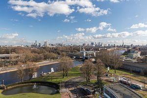 De skyline van Rotterdam vanuit de Van Nelle Fabriek