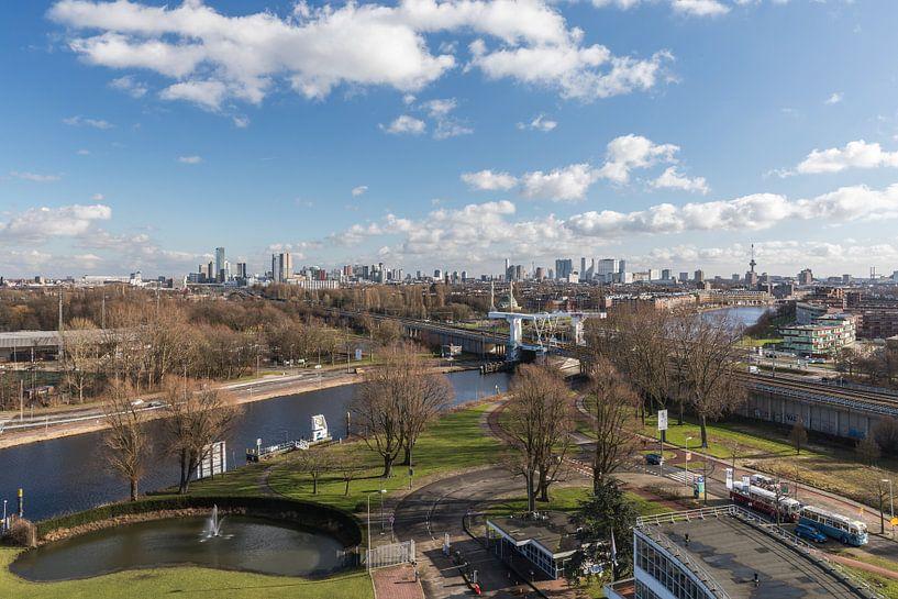 De skyline van Rotterdam vanuit de Van Nelle Fabriek van MS Fotografie