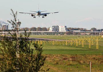 KLM Embraer landing op Schiphol van Robin Smeets