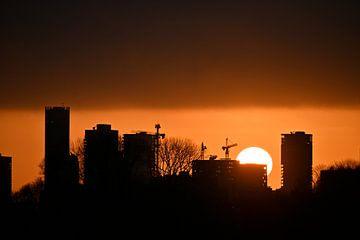 Zonsondergang in Rotterdam aan de Kralingse Plas. van Studio Maria